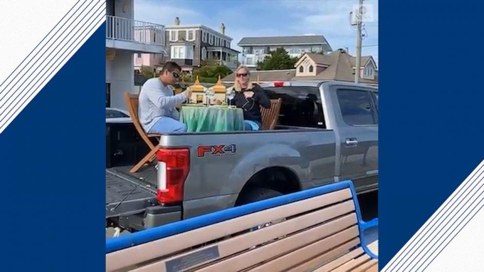 Couple Enjoys Romantic Dinner On Back Of Their Truck Video Abc News