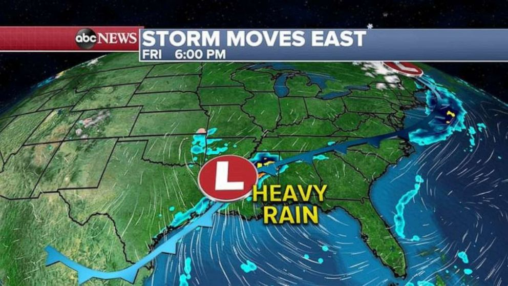 PHOTO: The southern part of that western storm will redevelop along the Gulf Coast bringing heavy rain to the southern states.