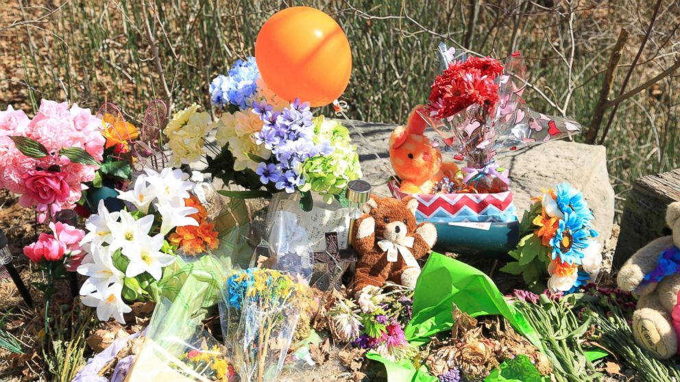 A makeshift memorial for Abby Williams and Libby German, who disappeared Feb. 14, 2017 along a hiking trail in Delphi, Indiana, and were later found dead.