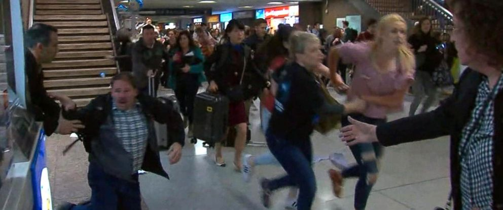 PHOTO: 16 people were injured when crowds of waiting passengers panicked and fled after thinking they heard gunfire