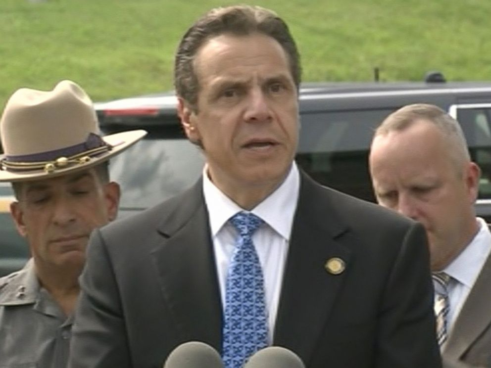 PHOTO: New York Governor Andrew Cuomo holds a press conference on the missing escaped convicts, June 10, 2015.