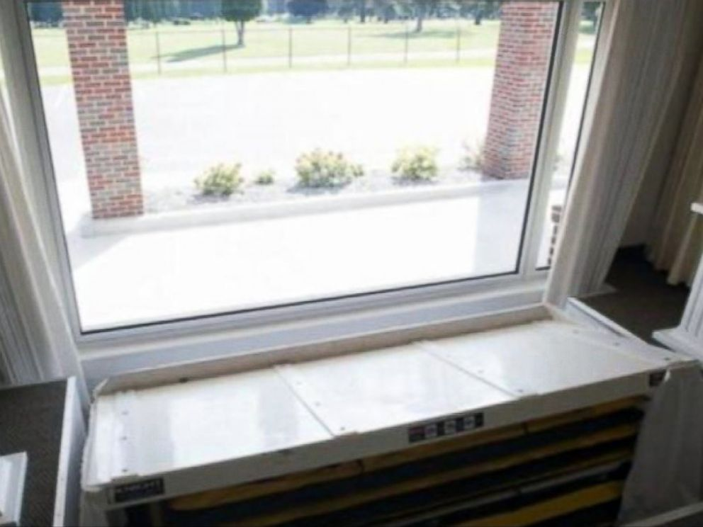 PHOTO: A Michigan funeral home recently introduced this drive-thru window.
