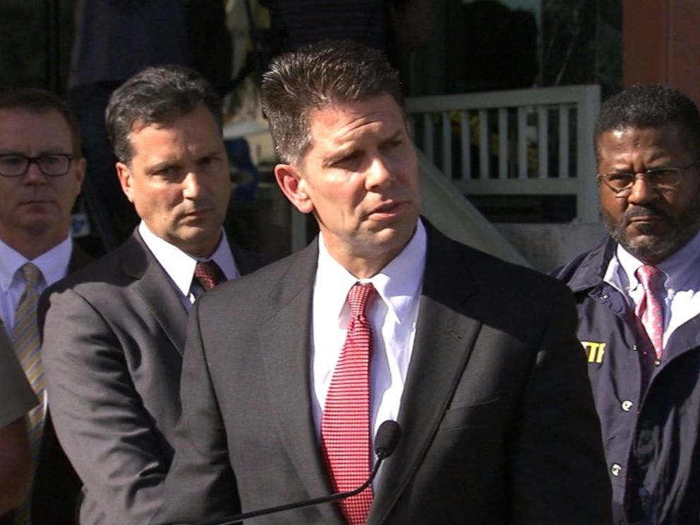 PHOTO: The FBI held a press conference in Los Angeles, Dec. 7, 2015, on the San Bernardino shooting.
