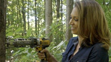 'PHOTO: Ginger Zee taps a maple tree in Northern Vermont.' from the web at 'https://s.abcnews.com/images/US/ABC_ginger_zee_jef_160801_16x9t_384.jpg'