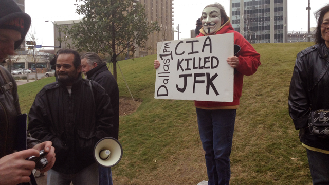 PHOTO: A masked Tea Party protestor is seen in Dallas.