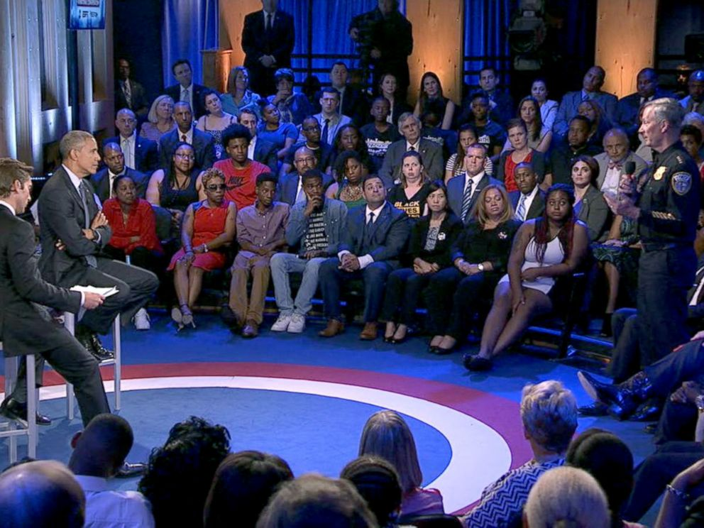 PHOTO: Milwaukee Police Chief Edward Flynn asks President Obama a question during the ABC News Town Hall with David Muir, July 14, 2016, in Washington.