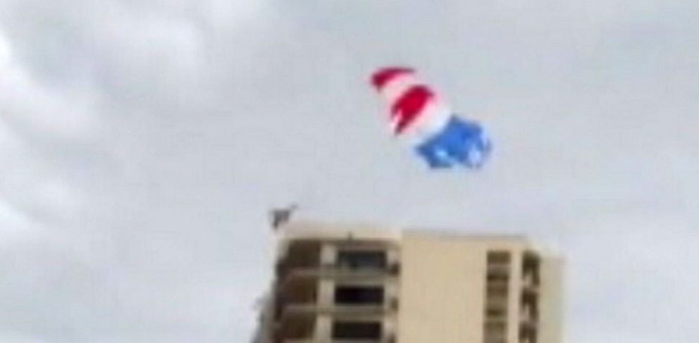 PHOTO: Parasailing Accident