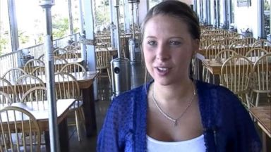 PHOTO: Laishley Crab House waitress Samantha Knight returned a large sum of money to the wrong person.