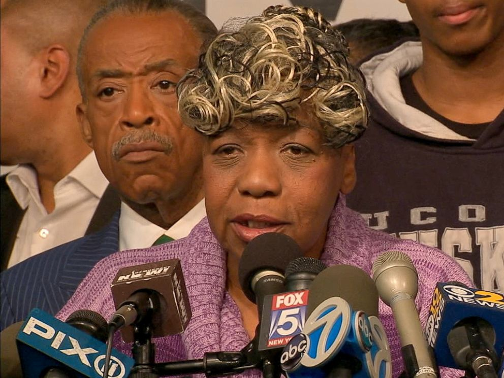 PHOTO: Gwen Carr, Eric Garners mother, speaks at a press conference, Dec. 3, 2014, in New York City in response to the grand jury decision not to indict the NYPD officer responsible for the choke hold death of Eric Garner back in July.