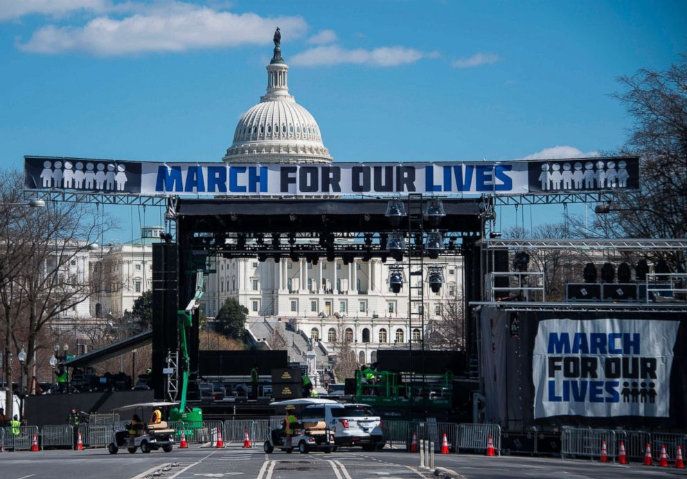 PHOTO: Construction workers setup the March For Our Lives stage ahead of the anti-gun rally in Washington, D.C., on March 23, 2018.