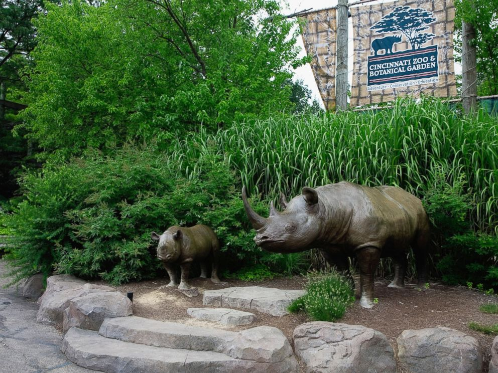 PHOTO: The Entrance Of The Cincinnati Zoo And Botanical Garden Cincinnati,  Ohio Is Pictured