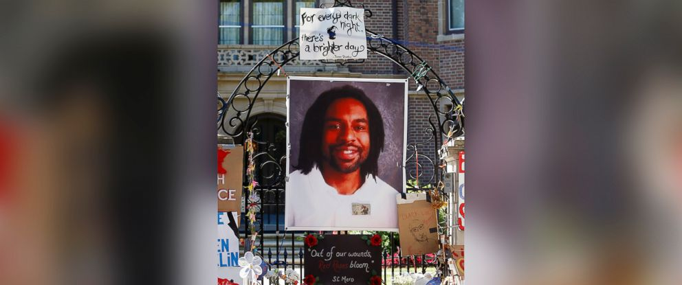 PHOTO: A memorial including a photo of Philando Castile adorns the gate to the governors residence where protesters continued to demonstrate in July 2016, in St. Paul, Minn.