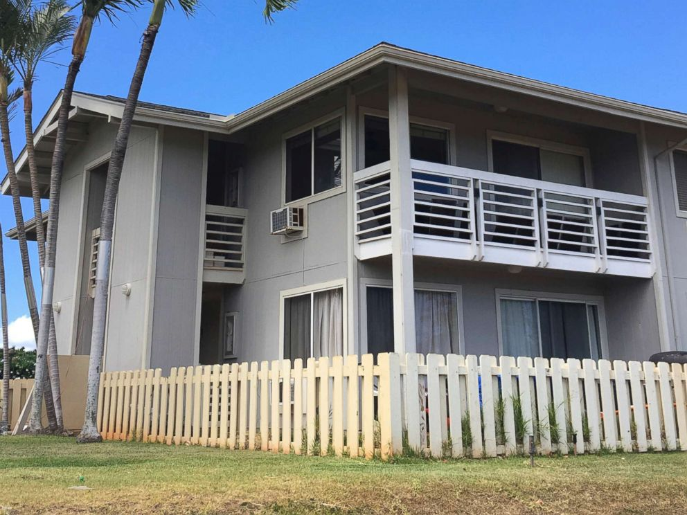 PHOTO: The exterior of the condo complex where Ikaika Kang, a sergeant first class in the U.S. Army, lives in Waipahu, Hawaii, July 10, 2017.