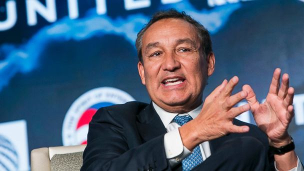 Oscar Munoz, CEO of United Airlines, on the changing industry and customer expectations