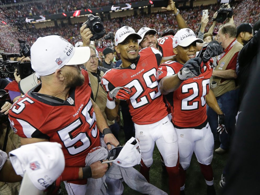 PHOTO: Atlanta Falcons players celebrate after the NFL football NFC championship game against the Green Bay Packers, Jan. 22, 2017, in Atlanta. The Falcons won 44-21 to advance to Super Bowl LI.