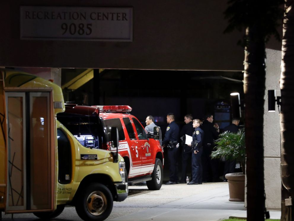 PHOTO: Police officers stand guard in front a La Jolla apartment building after a shooting, April 30, 2017, in San Diego.