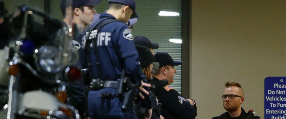 PHOTO: Law enforcement officers gather at Tacoma General Hospital, where a Tacoma Police officer was taken after being shot while responding to a call Wednesday evening, Nov. 30, 2016, in Tacoma, Wash.