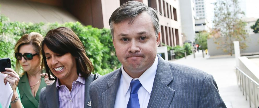 PHOTO: John Beliveau II, accompanied by then-attorney Gretchen von Helms, arrives at the federal courthouse, Dec. 17, 2013, in San Diego, California.