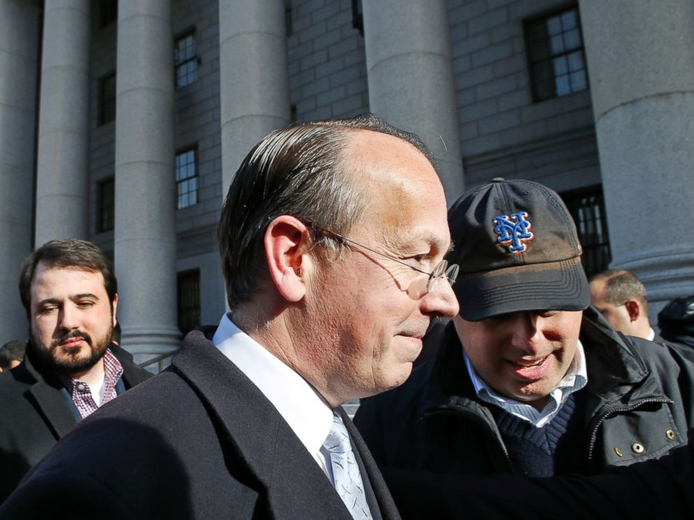 PHOTO: NFL attorney Paul Clement leaves the 2nd U.S. District Court of Appeals, March 3, 2016, in New York, where he and other NFL lawyers asked a panel of judges to reinstate the leagues four-game suspension of Patriots quarterback Tom Brady.