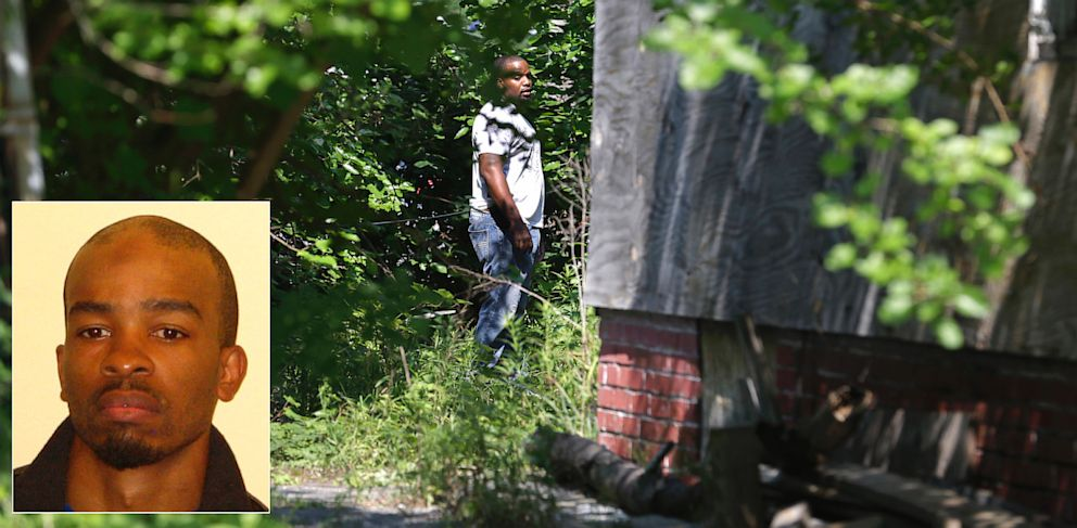 PHOTO: Cleveland police investigate Ohio serial killer