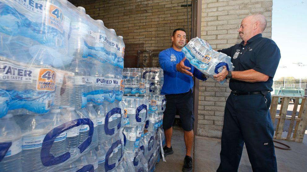 dangerous heat wave in arizona disrupts travel  daily