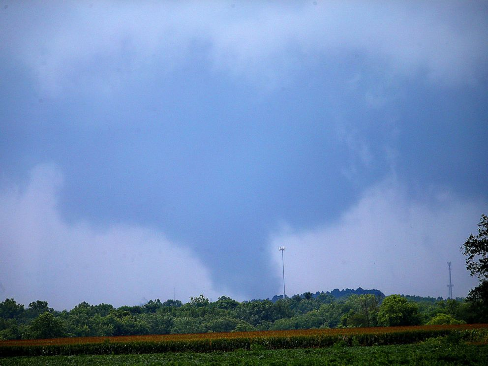 PHOTO: This photo shows a funnel cloud near Russiaville, Ind., Wednesday, Aug. 24, 2016.