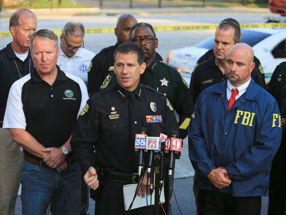 PHOTO: Orlando Police Chief John Mina, center, speaks during a news conference, June 12, 2016, regarding the mass shooting at the Pulse nightclub in Orlando, Fla.