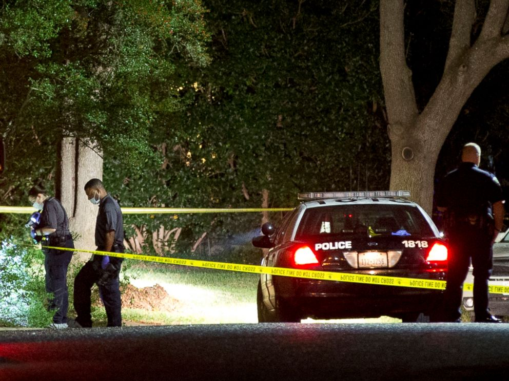 PHOTO: Authorities investigate the scene on Nov. 7, 2015, where District Judge Julie Kocurek was shot on Friday night in the driveway of her home in Austin, Texas.