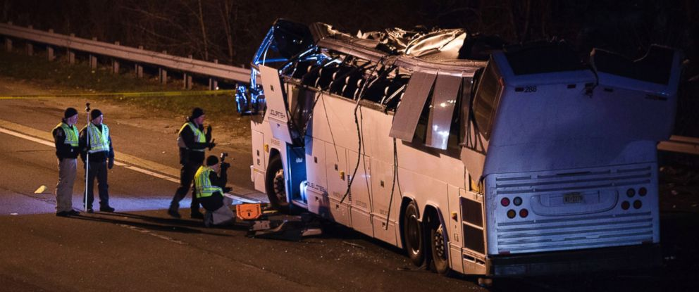 PHOTO: A bus that was carrying teenage passengers sits on the side of a highway after it hit an overpass on the Southern State Parkway in Lakeview, N.Y., Monday, April 9, 2018.