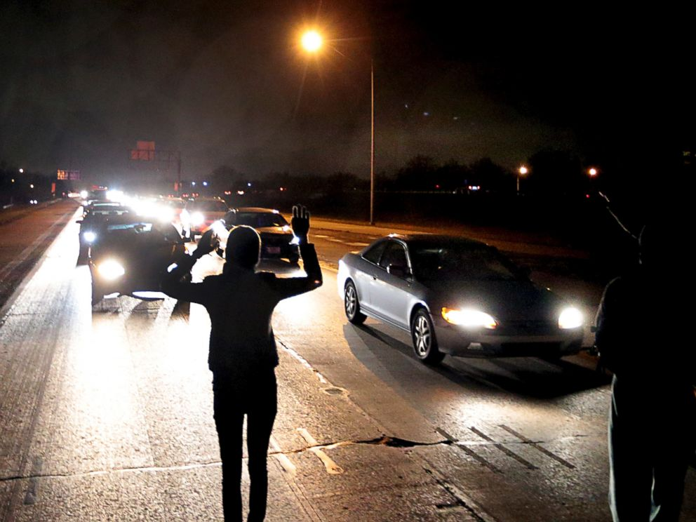 PHOTO: Protesters shut down an interstate at Airport Road, Dec. 24, 2014, in Berkeley, Mo.
