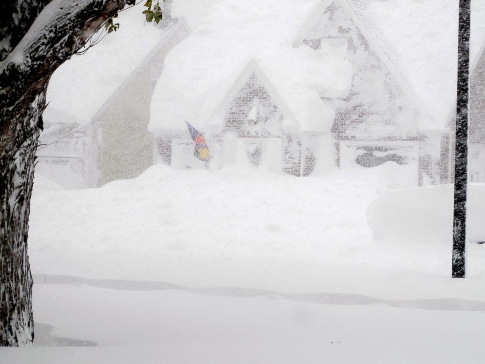 PHOTO: A house is obscured by wind-blown, lake-effect snow, Nov. 18, 2014 in Buffalo, N.Y.