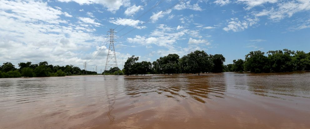 PHOTO:The Brazos River has exceeded its banks and is flooding nearby properties, May 29, 2016, in Rosenberg, Texas.