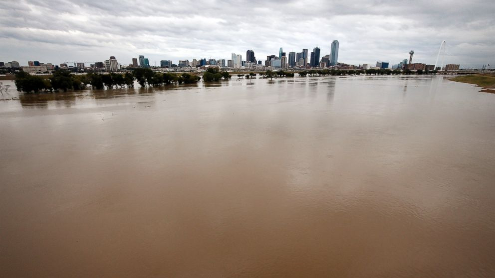 Heavy Rain Flooding Threaten Texas And Gulf Coast States