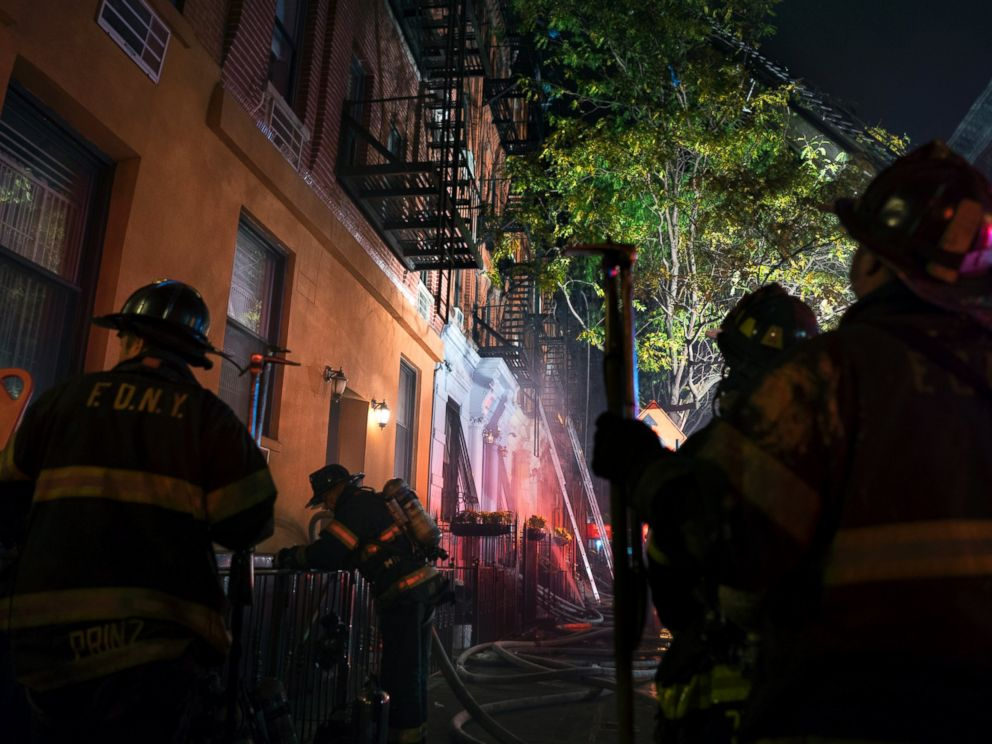 PHOTO: FDNY firefighters work at the scene of a fire at an apartment building on the Upper East Side in New York, Oct. 27, 2016.