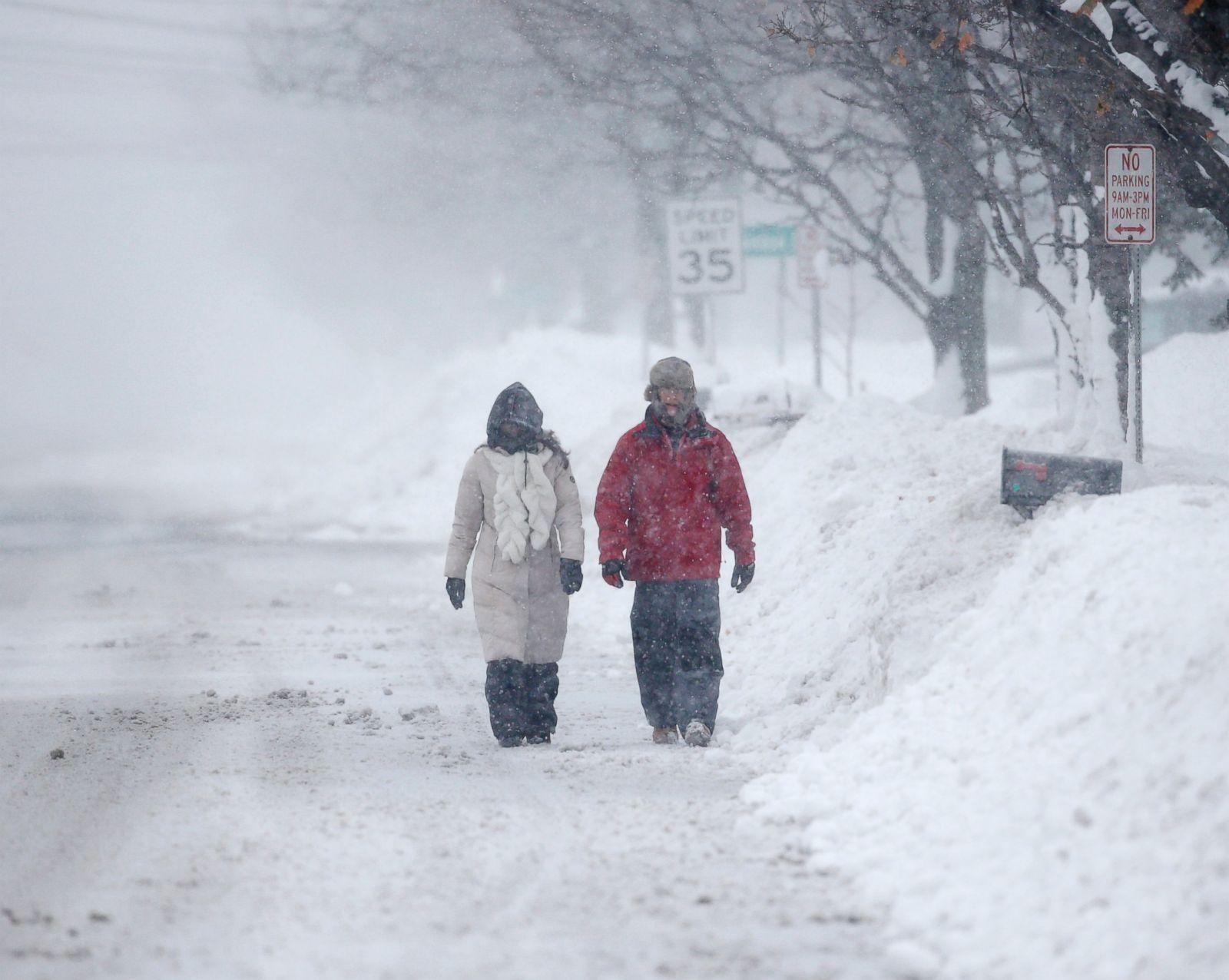 Buffalo Buried By Wall Of Snow Photos Abc News