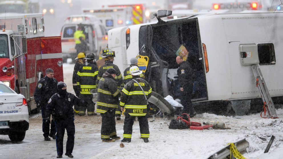 Snowy Saturday In Madison Busing To >> Bus Overturns On Snowy Connecticut Highway En Route To Casino From
