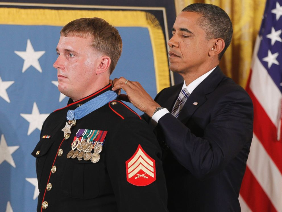 PHOTO: President Barack Obama awards the Medal of Honor to former Marine Cpl. Dakota Meyer, 23, from Greensburg, Ky. on Sept. 15, 2011.