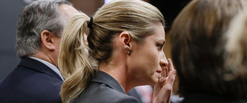 PHOTO:Erin Andrews wipes tears as the verdict is read, March 7, 2016, in Nashville, Tenn.