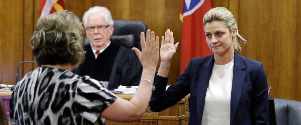 PHOTO: Erin Andrews is sworn in to testify Monday, Feb. 29, 2016, in Nashville, Tenn.