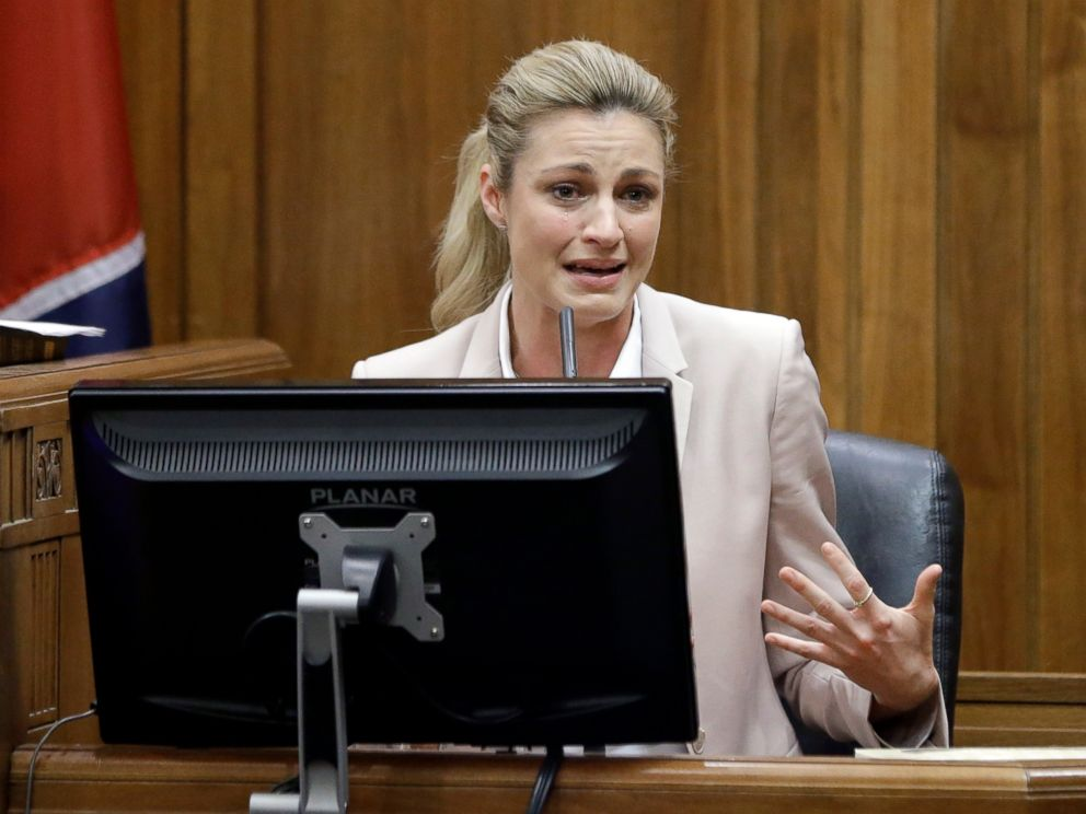 PHOTO: Sportscaster and television host Erin Andrews testifies, March 1, 2016, in Nashville.