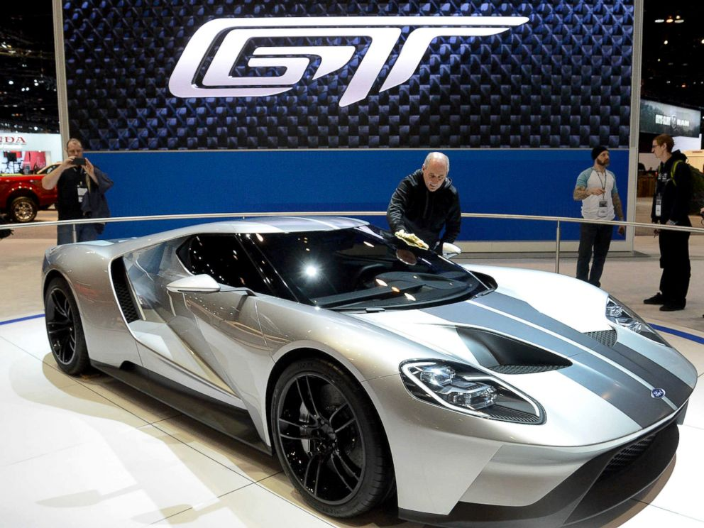 PHOTO: A Ford GT is on display during the media preview of the Chicago Auto Show at McCormick Place in Chicago, Feb. 12, 2015.