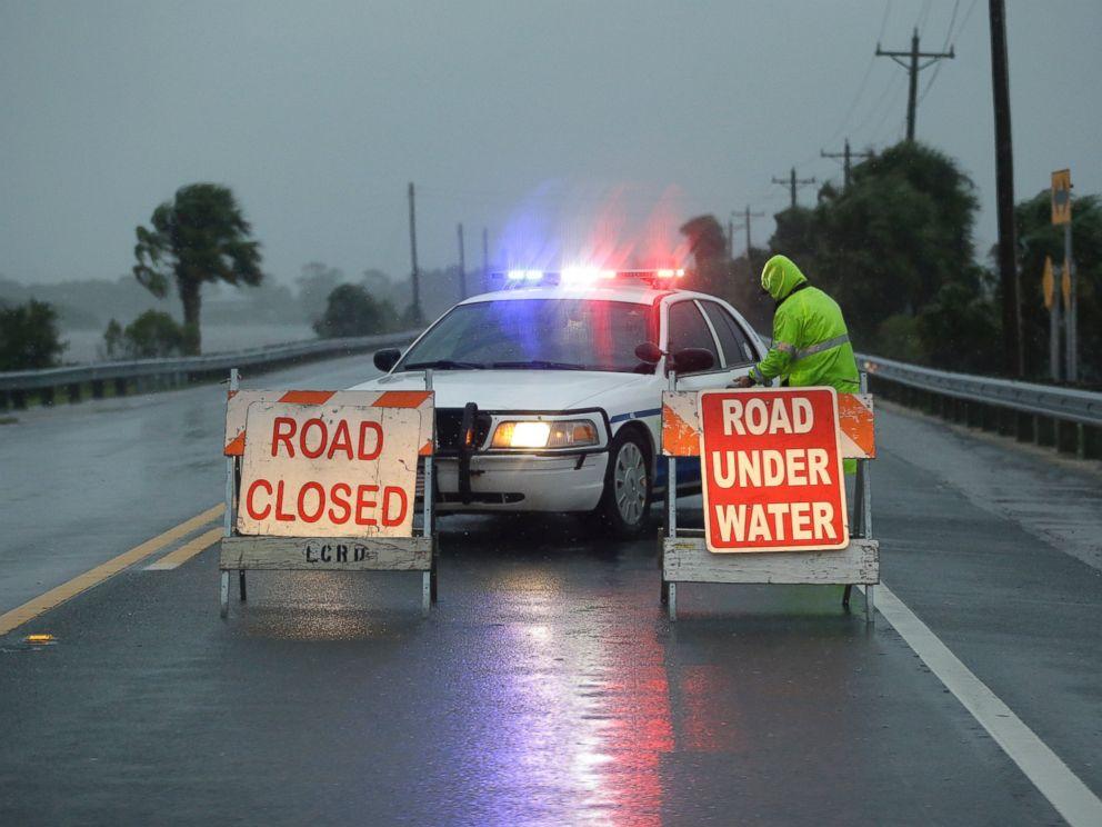 PHOTO: Police block the road entering Cedar Key, Fla., as Hurricane Hermine nears the Florida coast, Thursday, Sept. 1, 2016.