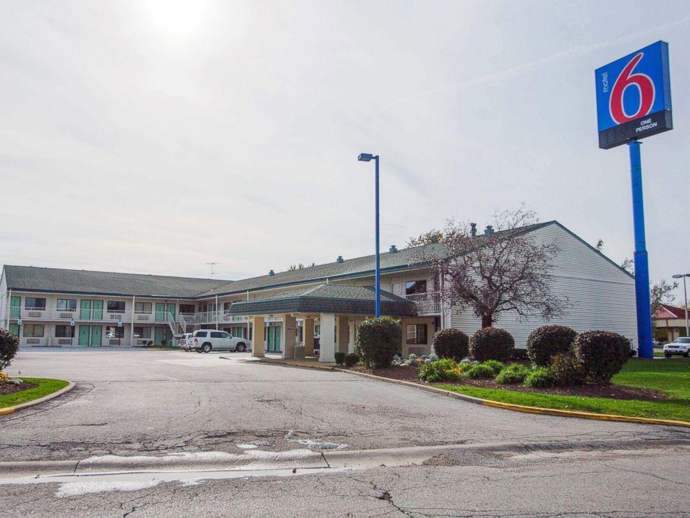 PHOTO: The Motel 6 in Hammond, Ind., where a victim was found, Oct. 19, 2014.
