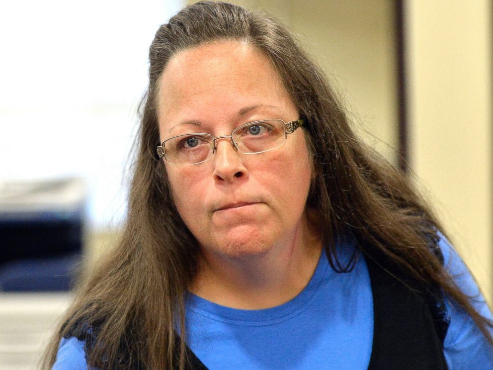 PHOTO:Rowan County Clerk Kim Davis listens to a customer following her offices refusal to issue marriage licenses, Sept. 1, 2015,at the Rowan County Courthouse in Morehead, Ky.