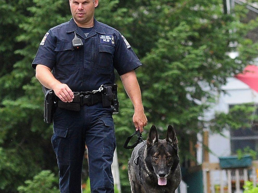 PHOTO: A law enforcement agent walks with a K-9, June 10, 2015 in Dannemora, N.Y.