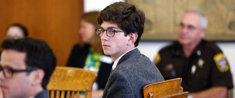 PHOTO: Owen Labrie looks around the courtroom during his trial, in Merrimack County Superior Court, Aug. 18, 2015, in Concord, N.H.