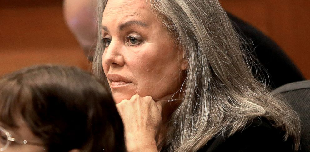 PHOTO: Defendant Pamela Phillips listens to her attorney talk to the jury as opening arguments commence, Feb. 19, 2014, in Tucson, Ariz.