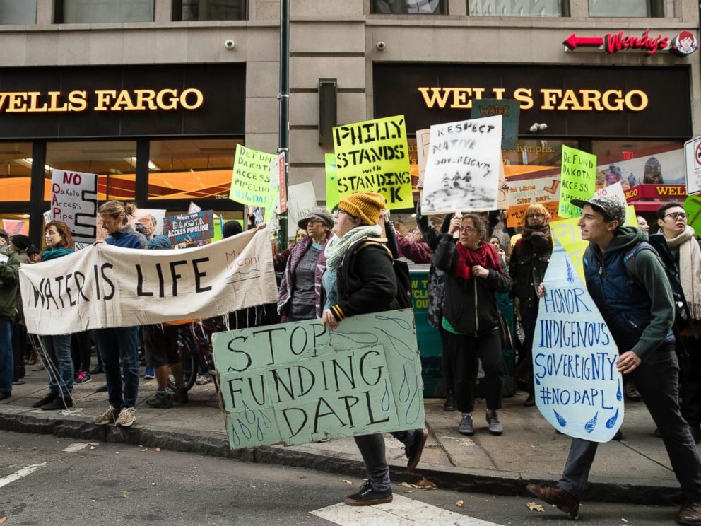 PHOTO: Protesters demonstrate in solidarity with members of the Standing Rock Sioux tribe in North Dakota over the construction of the Dakota Access oil pipeline, in Philadelphia, Nov. 15, 2016.
