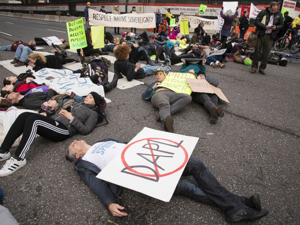 PHOTO: Protesters demonstrate in solidarity with members of the Standing Rock Sioux tribe in North Dakota over the construction of the Dakota Access oil pipeline in Philadelphia, Nov. 15, 2016.