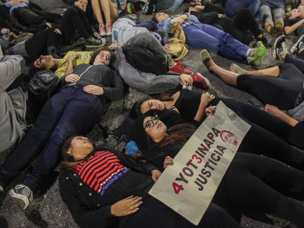 PHOTO: Demonstrators lie in the street in Berkeley, Calif., Dec. 6, 2014.